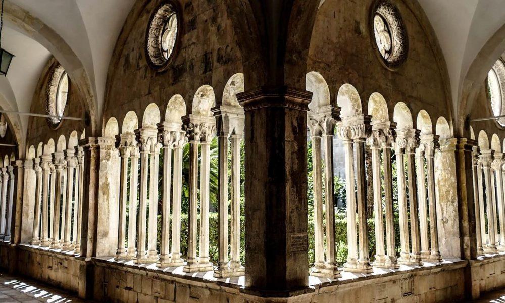 cloitre-monastere-franciscain-1