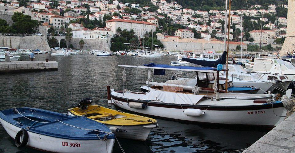 port, sea, waters-3340839.jpg